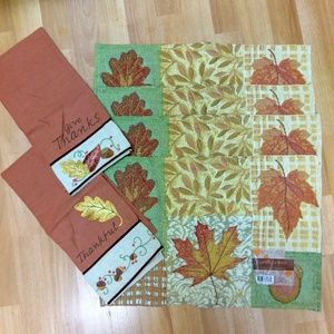 4 NWT Harvest Tapestry Placemats/ 2 NWOT Tea Towel